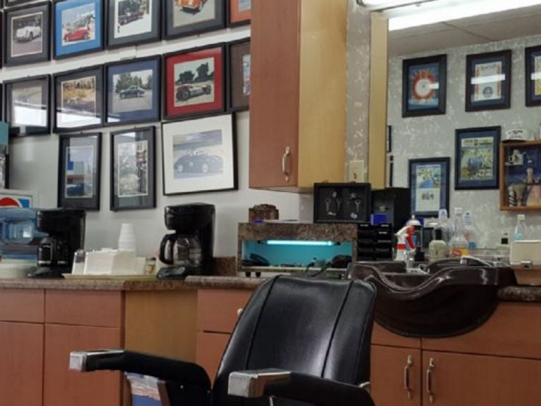 LET AN EXPERIENCED AURORA BARBER CLEAN YOU UP